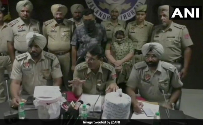 Police Arrest 2 In Jalandhar, Seize 1.60 Kgs Of Heroin, Over 8 Lakh Cash