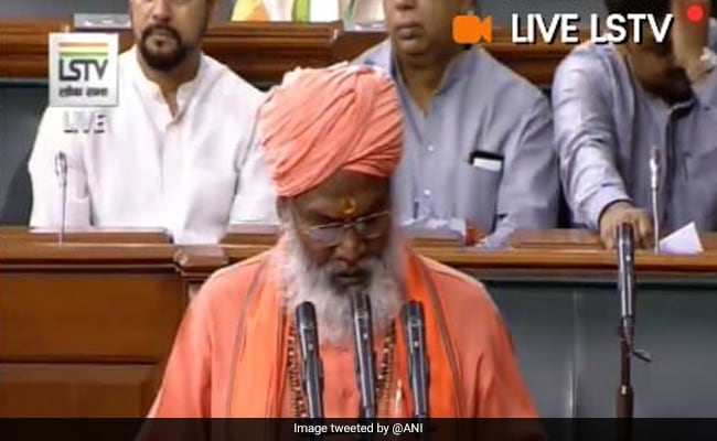 ''Mandir Vahin Banayenge'' Slogans Raised As Sakshi Maharaj Took Oath