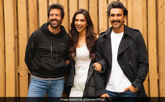 '83: Give Deepika Padukone A Bat And She Does This. 'Story Of Ranveer Singh's Life'