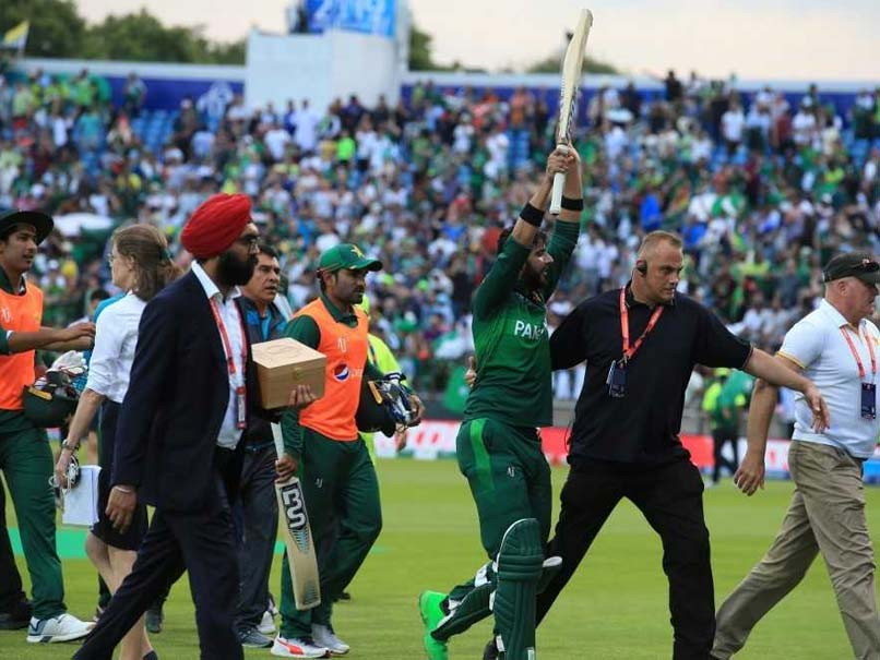 Imad Wasim holds nerve to see off Afghanistan in thriller