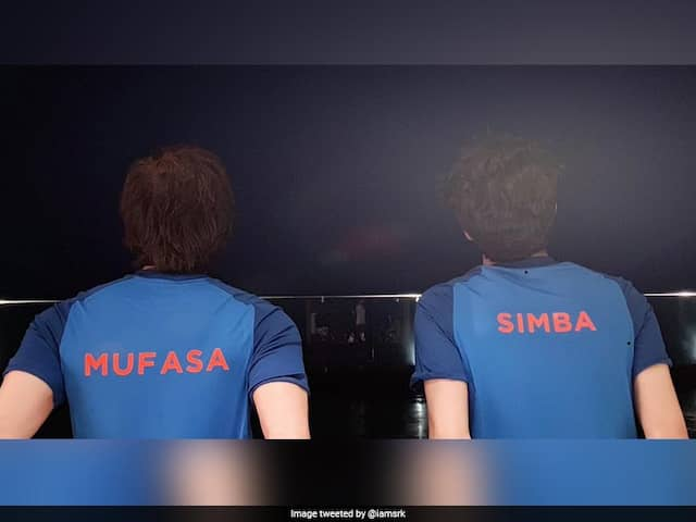 India vs Pakistan: Shah Rukh Khan Tweet A Picture With His Son And Wrote Ready For The Match