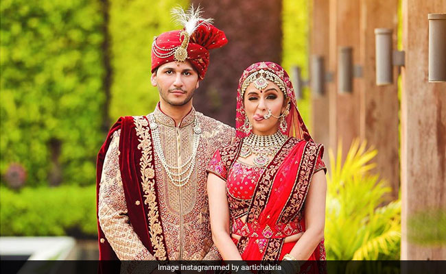 Awara Paagal Deewana Actress Aarti Chabria Marries Visharad Beedassy. See Pics