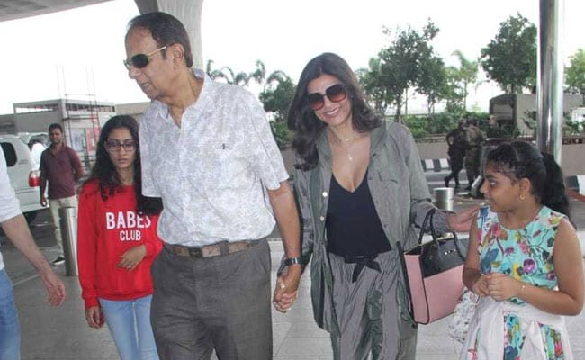 Sushmita Sen And Daughters Jet Off To Goa For Rajeev Sen And Charu Asopa's Wedding Celebrations