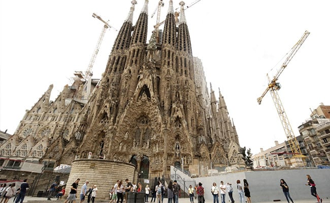 Spain's Sagrada Familia Finally Gets Building Permit... After 137 Years