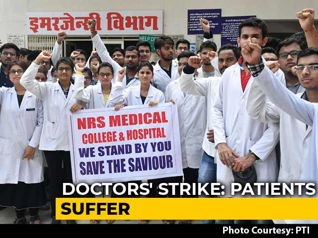 Video : 300 Doctors Quit In Bengal, Centre Blames Mamata Banerjee