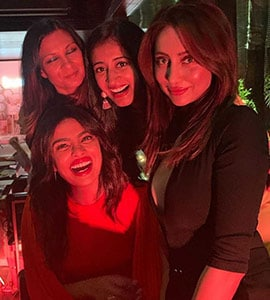 Seen This Pic Of 'Bumble Bees' Priyanka And Anusha With Friends?