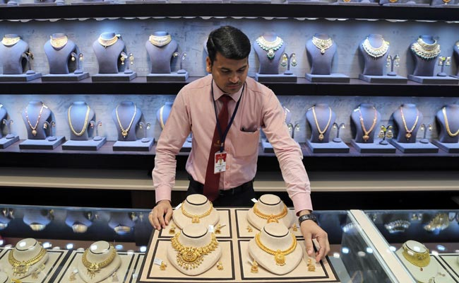 Gold Prices Fall For Fourth Consecutive Day: 5 Things To Know