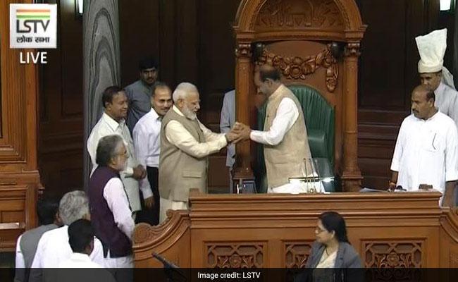 Lok Sabha Live Update: ओम बिरला बने लोकसभा के स्पीकर, कांग्रेस ने भी किया नाम का समर्थन