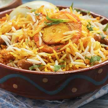 Cooking <i>Biryani</i> Is No Big Deal With These 7 Readymade <i>Masalas</i>