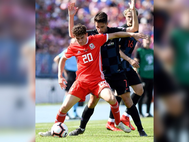 Manchester United Complete Signing Of Wales Winger Daniel James