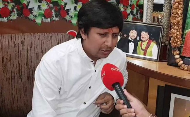 बीजेपी विधायक आकाश विजयवर्गीय की बढ़ी मुश्किलें, पार्टी की अनुशासन समिति ने जारी किया कारण बताओ नोटिस
