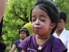 Yoga Day 2019: On Video, World's Smallest Woman Performs Yoga In Maharashtra