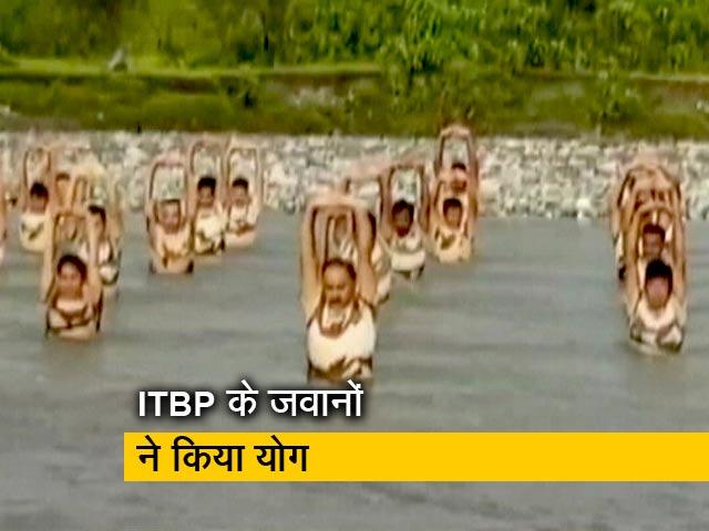 Video : 18 हजार फीट ऊपर माइनस 20 डिग्री तापमान में ITBP के जवानों ने किया योग