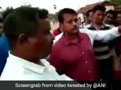 BJD विधायक ने PWD के जूनियर इंजीनियर से बीच सड़क पर कराई उठक-बैठक, सामने आया VIDEO