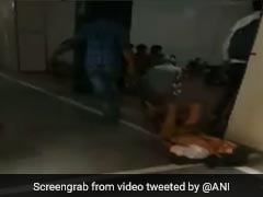 चादर पर मरीज को डाल एक्सरे रूम तक घसीटा, VIDEO वायरल होने पर लिया गया एक्शन