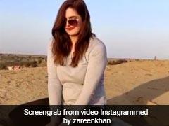 रेत से खेलती नजर आईं बॉलीवुड एक्ट्रेस तो फैन्स बोले- छोटी बच्ची...देखें Video