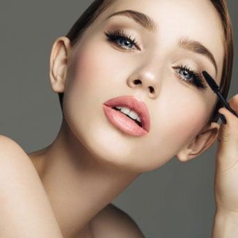 7 Intense Black Mascaras To Define Your Eyelashes