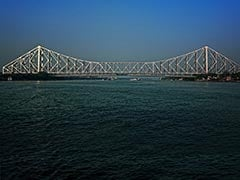 A stuntman who entered the Ganges river on Sunday tied up with steel chains and rope is missing, police said.