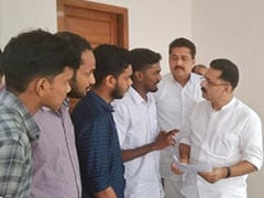 DU Students Meet Kerala Higher Education Minister, Discuss Admission Issues