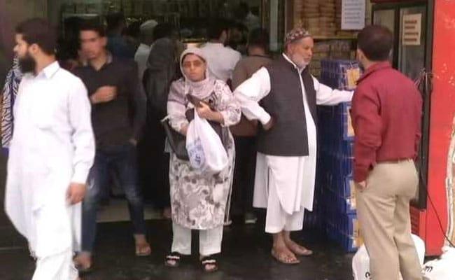 Eid 2019: Kashmiris Drown In Festive Spirit; Markets, Roads Jam-Packed