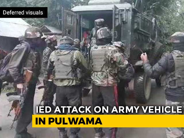 Video : Army Vehicle Attacked In Jammu And Kashmir's Pulwama, 6 Soldiers Injured