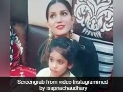 सपना चौधरी ने क्यूट बच्ची संग इस अंदाज में की मस्ती, वायरल हुआ VIDEO