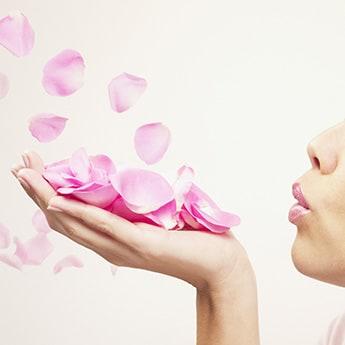 7 Amazing Rose Petal Face Packs To Detox Your Skin