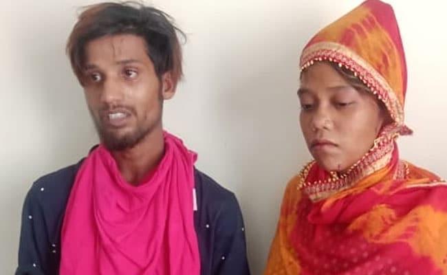 नमाज पढ़कर लौट रहे लोगों के बीच कार लेकर घुसा युवक निकला आदतन चोर, महिला मित्र के साथ भाग रहा था