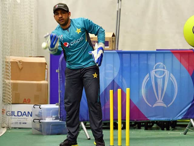 """World Cup 2019: """"Pakistan People Wont Do That"""": Sarfaraz Ahmed After Indian Fans Boo Steve Smith"""