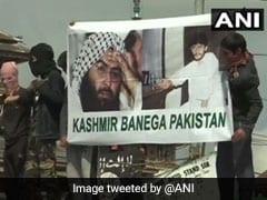 जम्मू-कश्मीर: ईद की नमाज के वक्त प्रदर्शनकारियों और सुरक्षा बलों के बीच झड़प