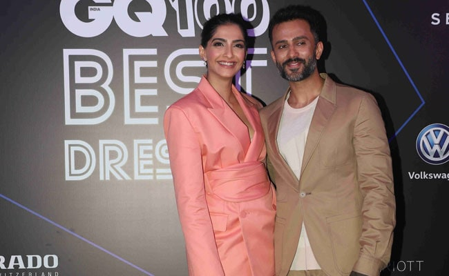 Sonam Kapoor Wore Sneakers To GQ Awards Because She's Now As Obsessed As Husband Anand Ahuja