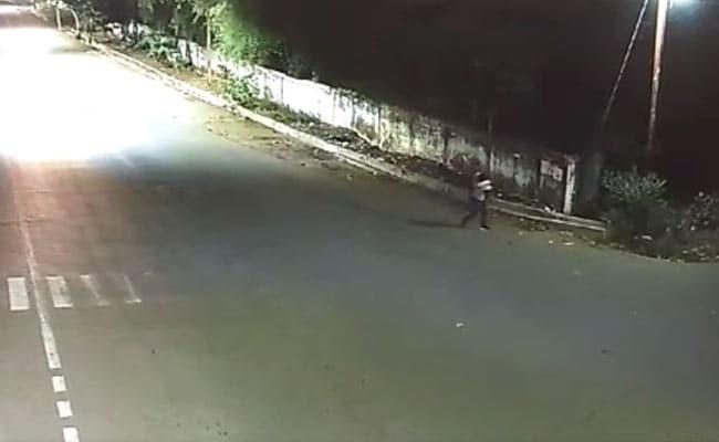 मध्यप्रदेश : नरसिंहपुर में पांच साल की बच्ची से बलात्कार, सीसीटीवी कैमरे में दिखा आरोपी; VIDEO