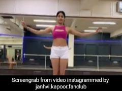 जाह्नवी कपूर ने 'डांस दीवाने' की धुन पर यूं किया बैली डांस, वायरल हुआ Video