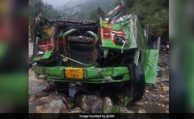 20 killed as bus falls into deep gorge in northern India