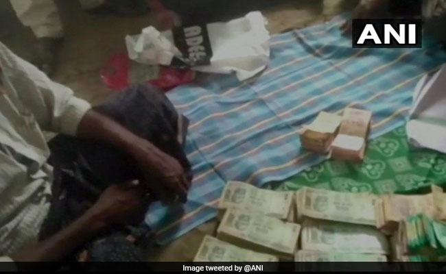 Police Find Over Rs 3 Lakh In Bag Of Dead Beggar In Andhra Pradesh