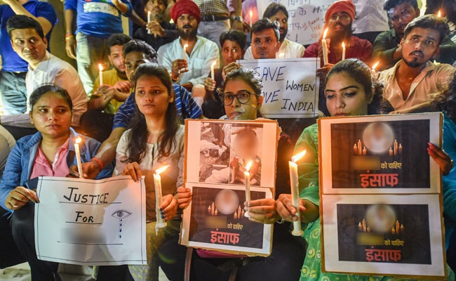 Aligarh girl's murder: Lawyers refuse to fight case for accused men, cops arrest 2 others