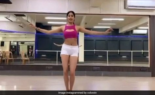 Trending: Janhvi Kapoor's Belly Dance Moves Are Blowing The Internet Away