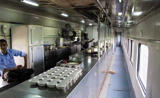 Eastern Railways To Begin E-Catering Services At Select Stations Soon