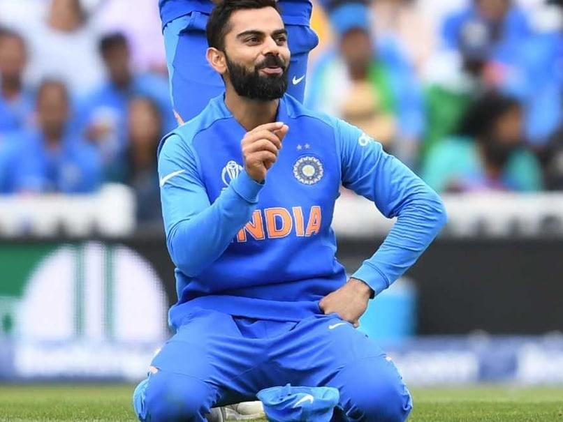 India vs Australia: Virat Kohli Mocks Zing Bails After David Warner Reprieve