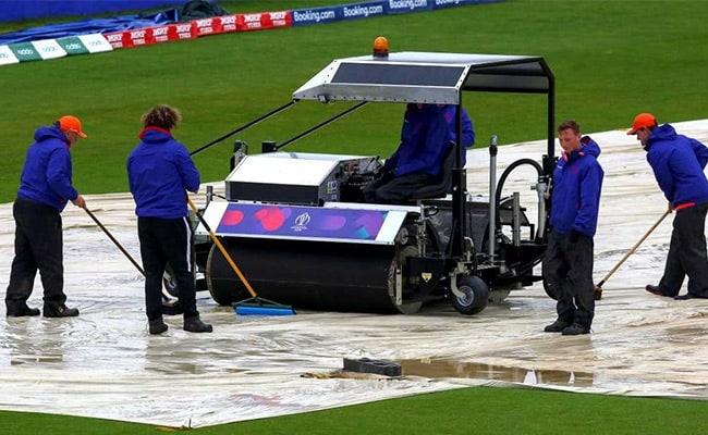 वर्ल्ड कप 2019 में बारिश और बेल्स की ही चर्चा..