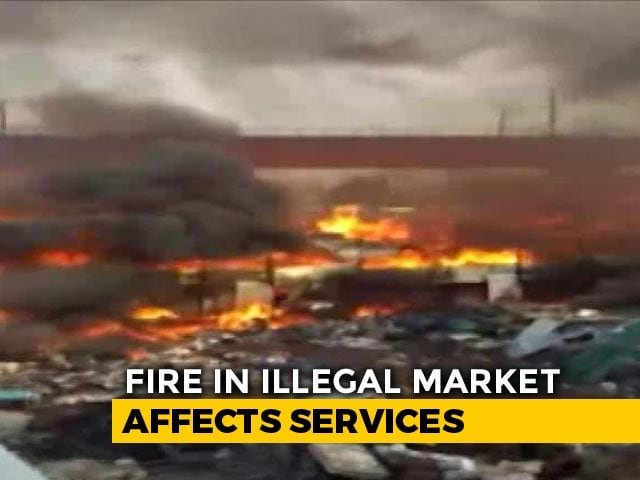 Video : Fire Breaks Out At Furniture Market In Delhi, Metro Services Affected