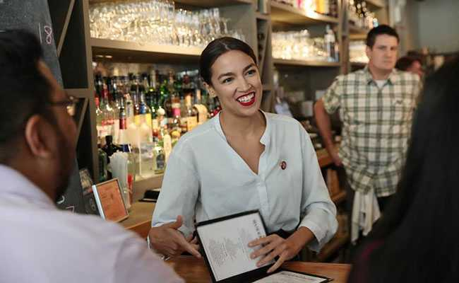US Lawmaker Returns To Bartending To Promote Fair Wages
