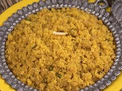शिल्पा शेट्टी ने कन्या भोज करवाकर मनाई दुर्गा अष्टमी, लड़कियों को परोसी पूड़ी, चने और मिठाई
