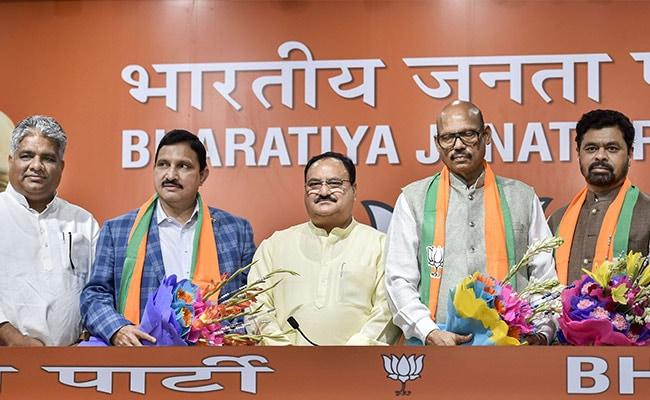 चंद्रबाबू नायडू को झटका, TDP के 4 राज्यसभा सांसदों ने पार्टी से दिया इस्तीफा, BJP में हुए शामिल