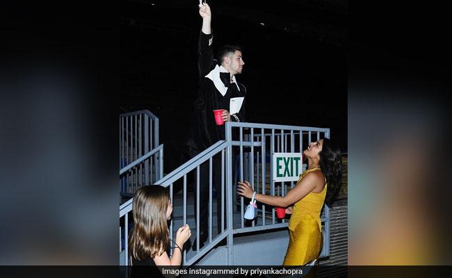 Priyanka Chopra And Nick Jonas' Romeo Juliet Moment In Role-Reversed Balcony Scene
