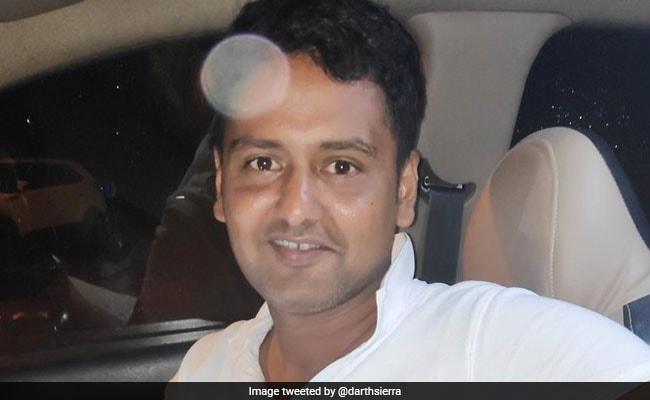 Mumbai Cab Driver's Honesty Is Winning Hearts Online