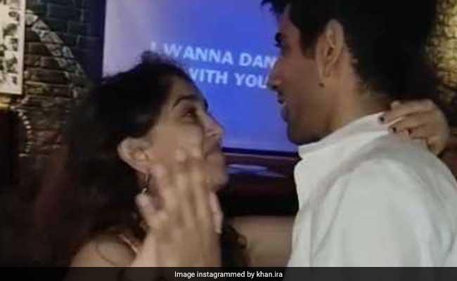 Ira Khan Dances With Boyfriend Mishaal Kirpalani. Because, Dil Chahta Hai