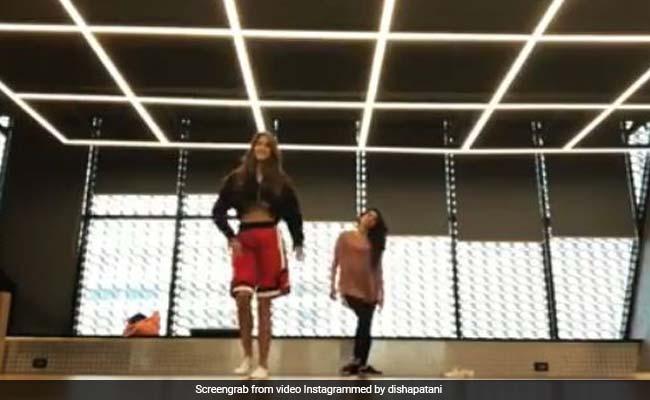 दिशा पटानी ने कुछ इस अंदाज में किया धमाकेदार Dance, वीडियो 20 लाख के पार