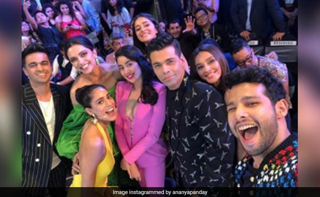 Seen Ananya Panday's Epic Selfie With Deepika Padukone, Janhvi Kapoor, Karan Johar And Other Stars?