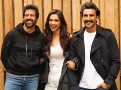'</i>83</I>: Give Deepika Padukone A Bat And She Does This. 'Story Of Ranveer Singh's Life'